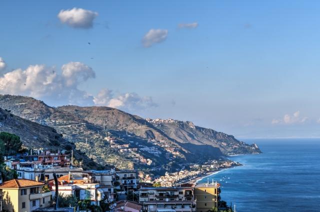 Vue de notre Airbnb à Taormina